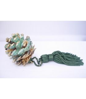 Γούρι φυσικό κουκουνάρι με πατίνα πράσινη