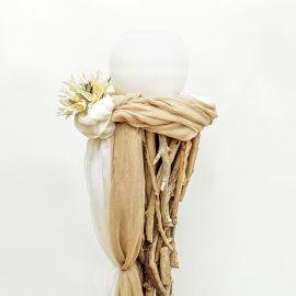 Κηροστάτης Θαλασσόξυλο με Δίχρωμη Γάζα και Συνθετικά Άνθη