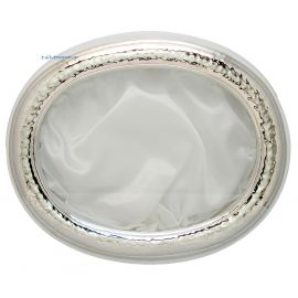 Oval, Silver, Hammered Crown Case - White Wooden Base
