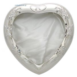 Heart-Shaped Silver Crown Case - White Base